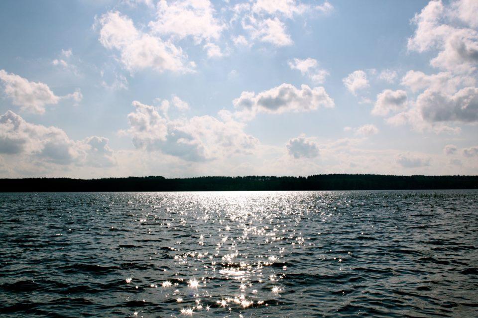 Kiitollisuuden aihe juuri nyt: tuleva kesä!! kuva viime kesältä Korpijärven säteilevästä maisemasta.