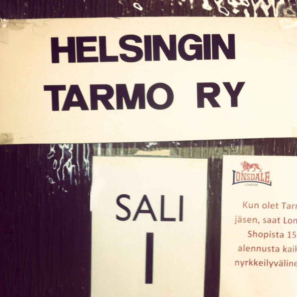 Helsingin Vallilasta löytyy mukavan valoisa nyrkkeilysali.