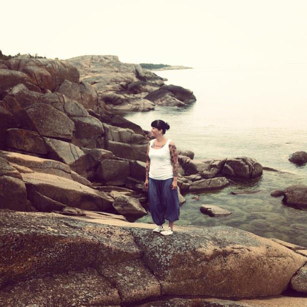Hiljentyminen on myös tärkeää. Eräs lempipaikoistani meditoida on meren ranta.