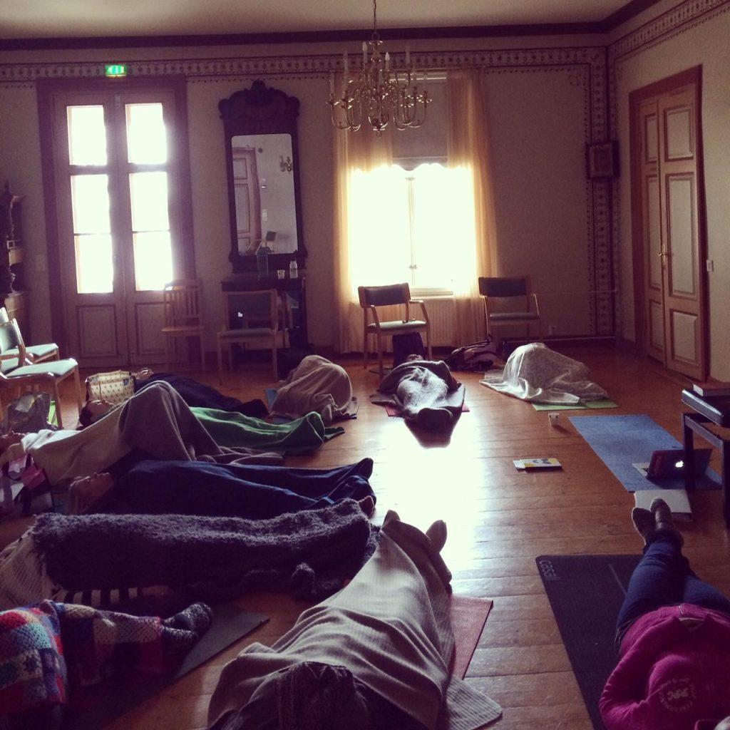 Rentoutusharjoituksessa muutama nukahti!
