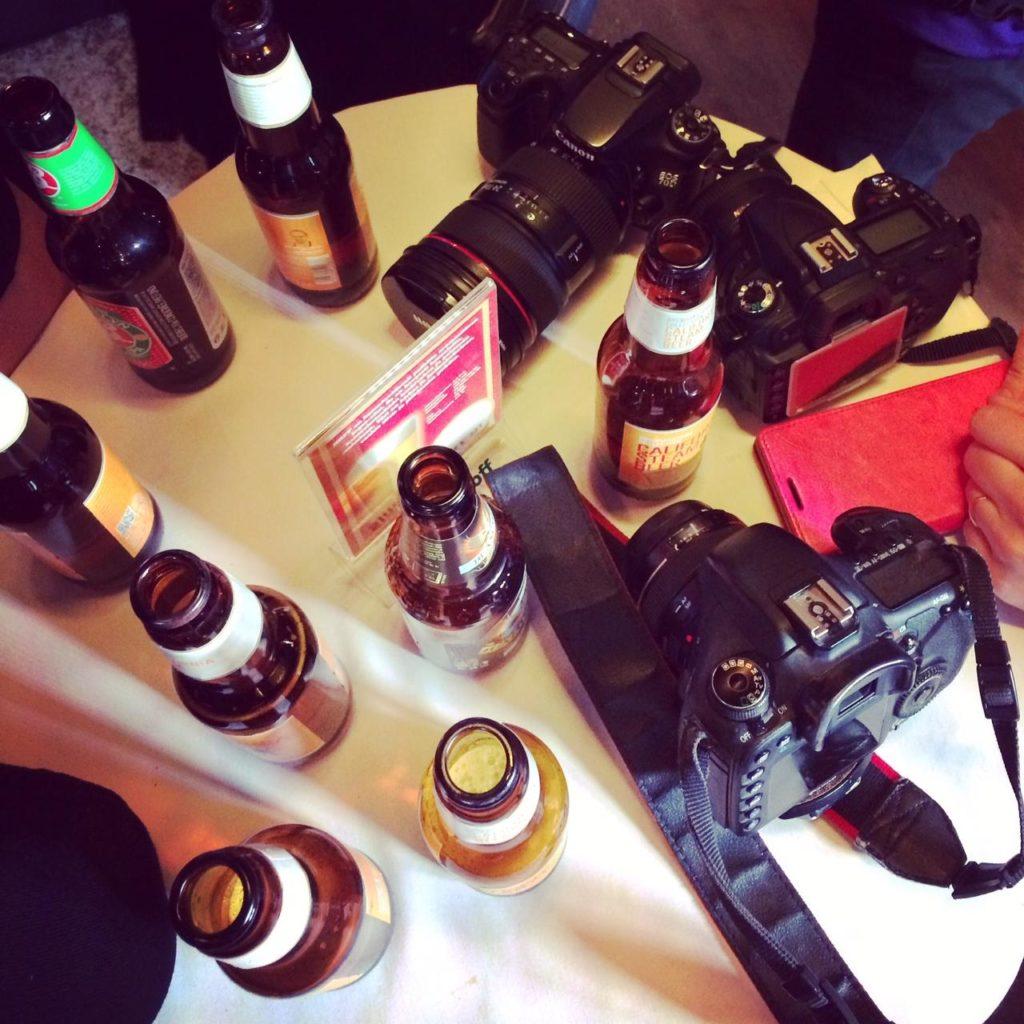 Bloggaajien pöytä.